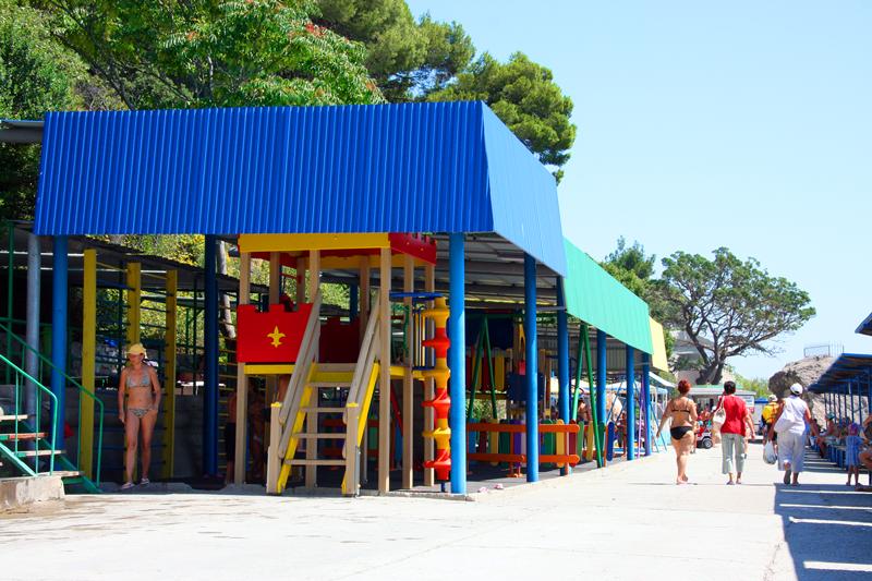 детская площадка на пляже санатория Ай-Петри Крым