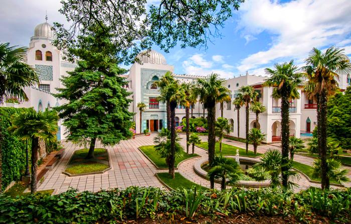 экскурсии из санатория Ай-Петри Крым в Дворец Дюльбер